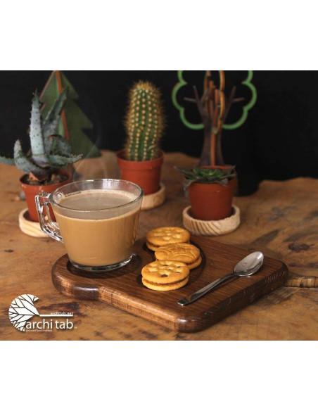 Bisküvi yuvalı ahşap çay kahve sunumu
