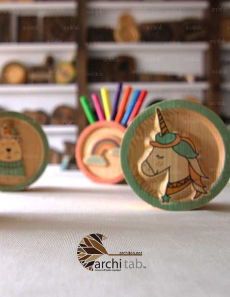 ahşap at tasarımlı kalemlik